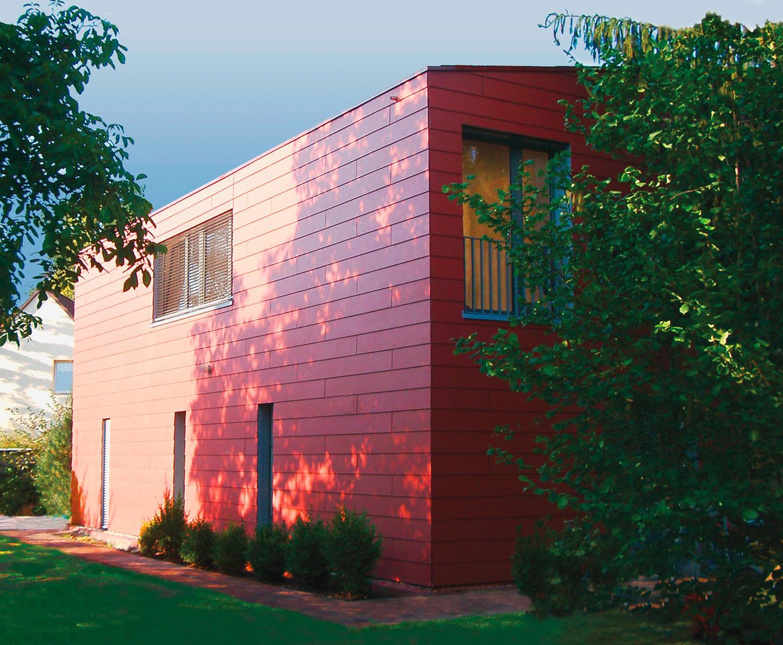 Haus im Garten / Roter Kubus in Schöneiche