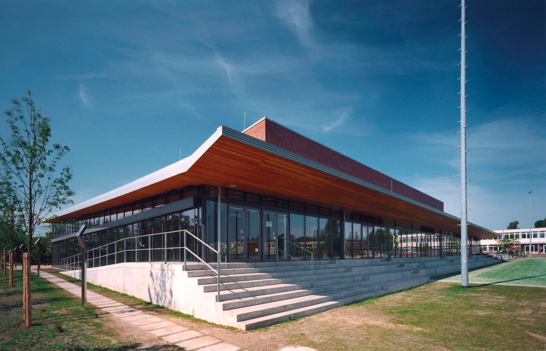 Tribünenanlage und Foyer / Schul- und Sportzentrum Timmendorf Strand